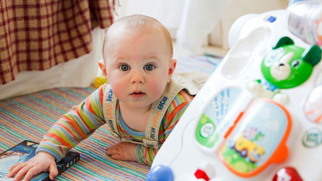 El desarrollo del bebé entre 4 a 6 meses de edad