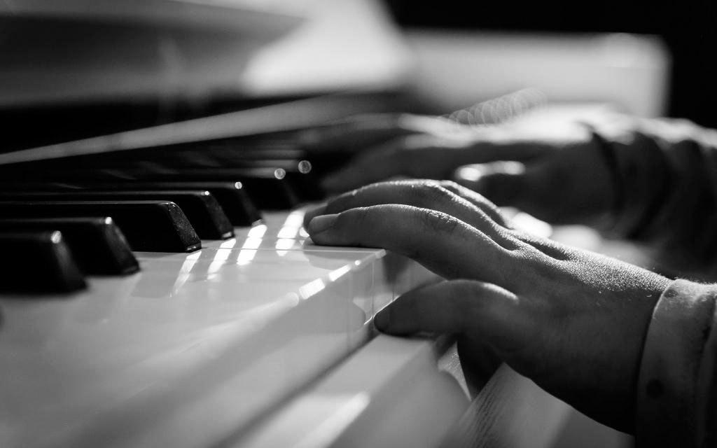 Tocar piano puede cambiar la configuración del cerebro
